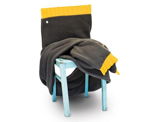 deko in strickoptik zuhausewohnen. Black Bedroom Furniture Sets. Home Design Ideas