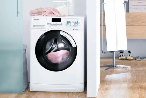 waschmaschine ins bad zuhausewohnen. Black Bedroom Furniture Sets. Home Design Ideas