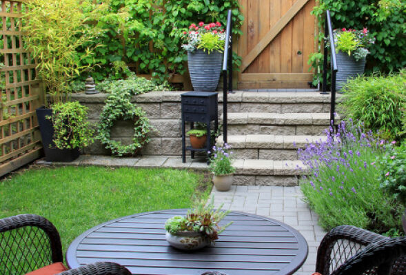 ihr garten im august zuhausewohnen. Black Bedroom Furniture Sets. Home Design Ideas