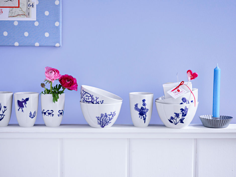 dekoratives geschirr in blau wei zuhausewohnen. Black Bedroom Furniture Sets. Home Design Ideas