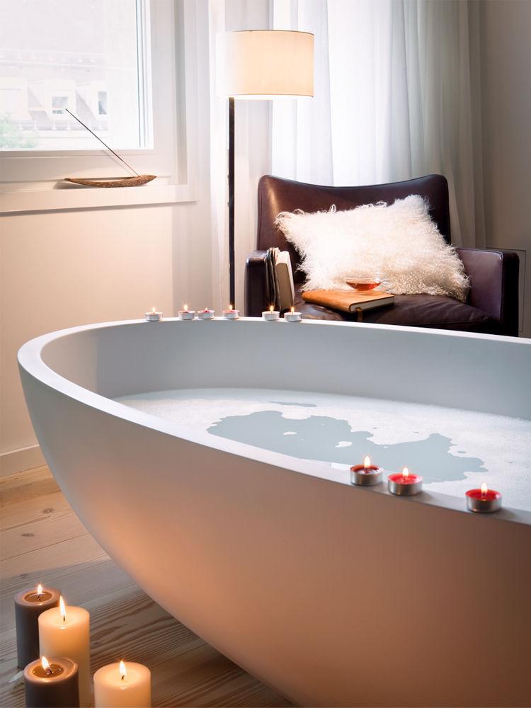 schlafzimmer mit spa zuhause wohnen. Black Bedroom Furniture Sets. Home Design Ideas