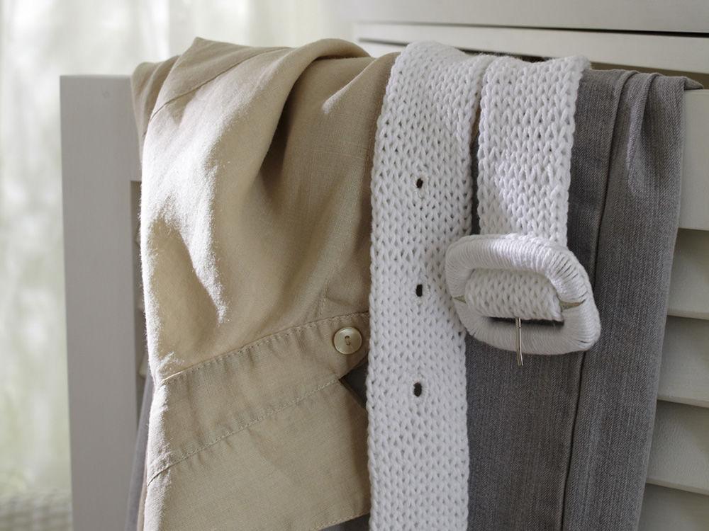 gestrickter g rtel zuhause wohnen. Black Bedroom Furniture Sets. Home Design Ideas