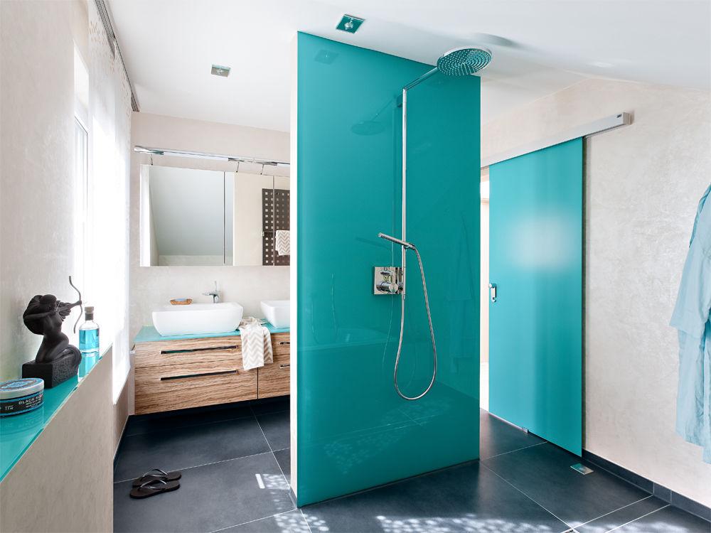 bad mit klarem design zuhause wohnen. Black Bedroom Furniture Sets. Home Design Ideas