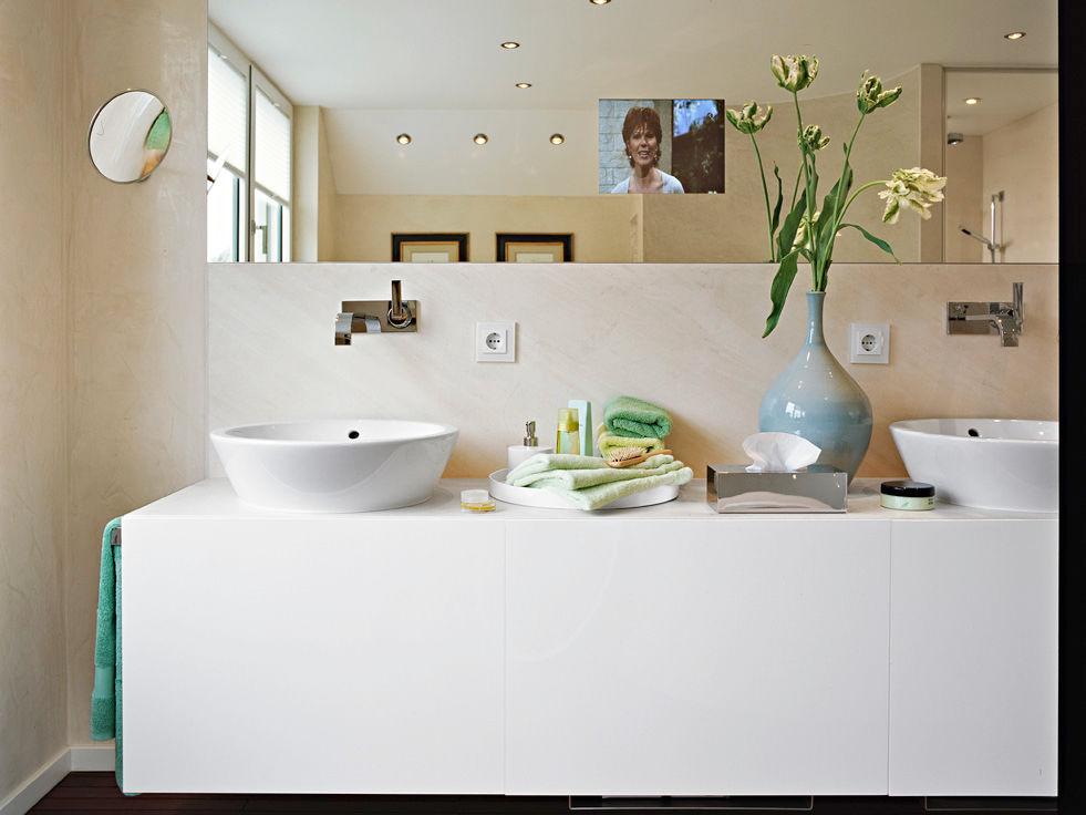 wohlf hlbad mit whirlpool und dampfdusche zuhause wohnen. Black Bedroom Furniture Sets. Home Design Ideas