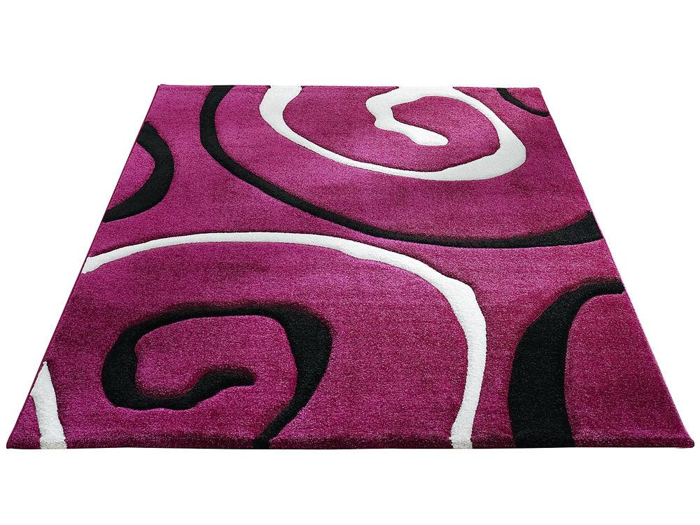 sinnliche wohndeko in lila zuhause wohnen. Black Bedroom Furniture Sets. Home Design Ideas