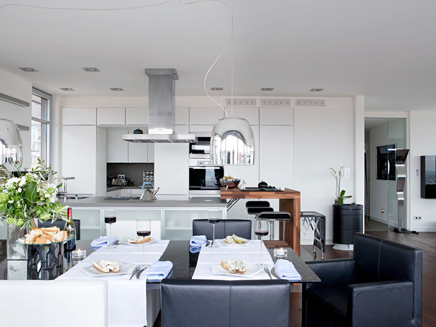 ein induktionsfeld mit auszeichnung zuhause wohnen. Black Bedroom Furniture Sets. Home Design Ideas
