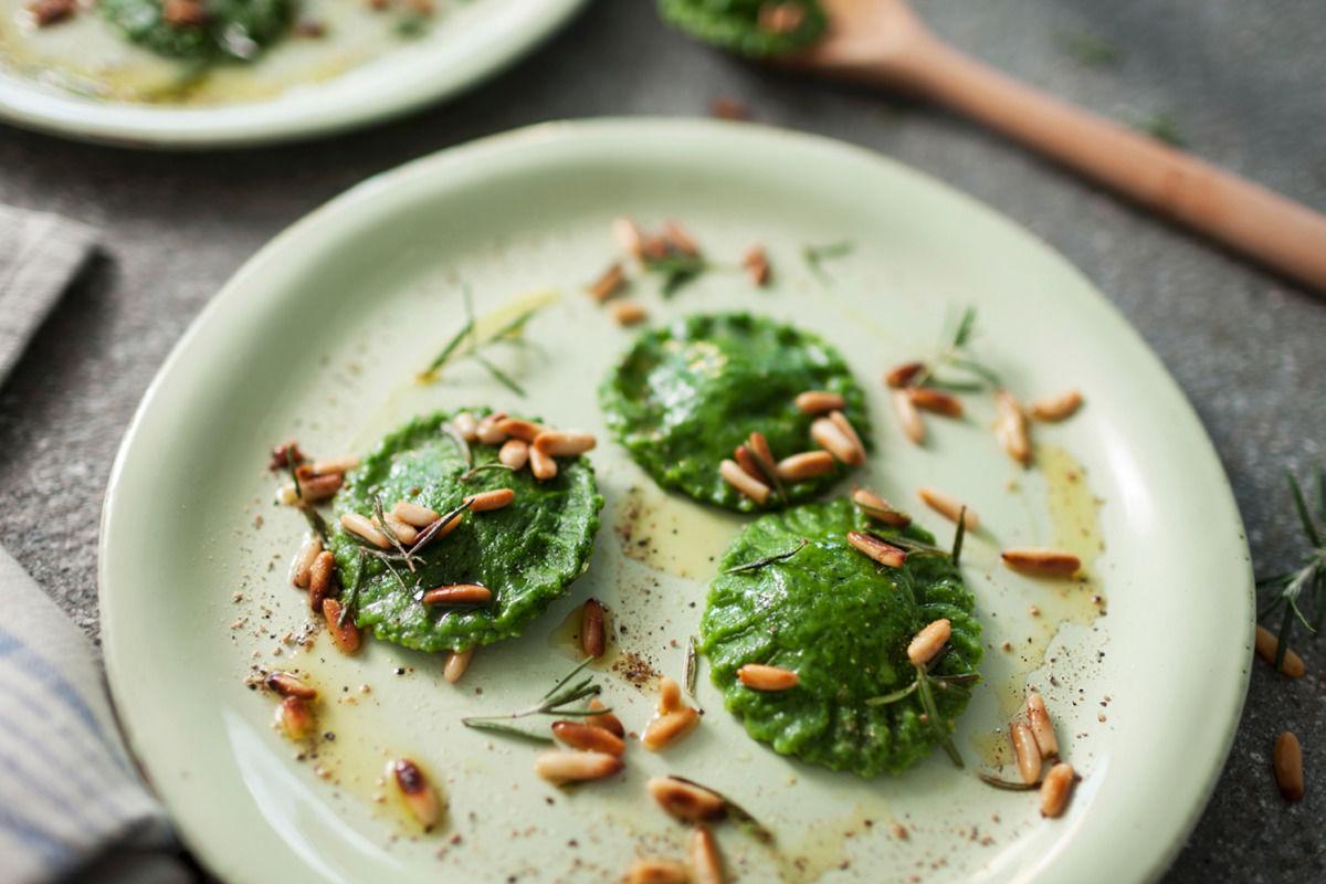 gruene-ravioli-mit-rosmarinbutter