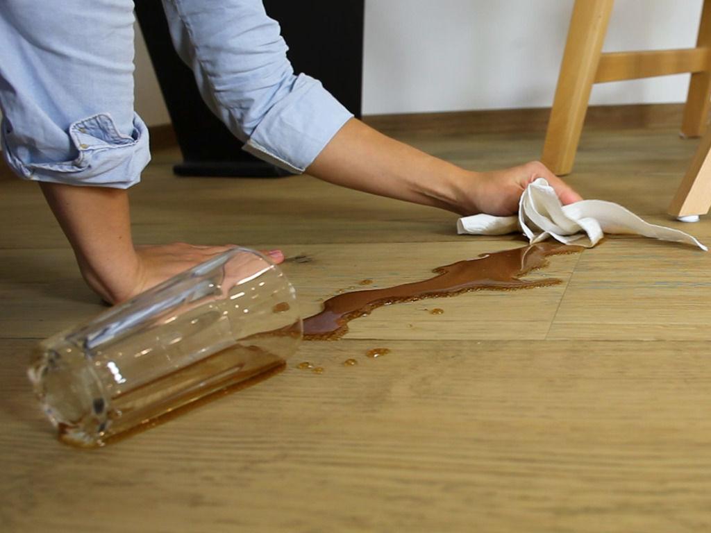 Den Lindura-Holzboden von meister richtig pflegen
