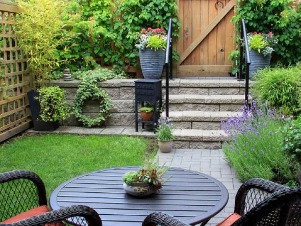 Garten August Terrasse