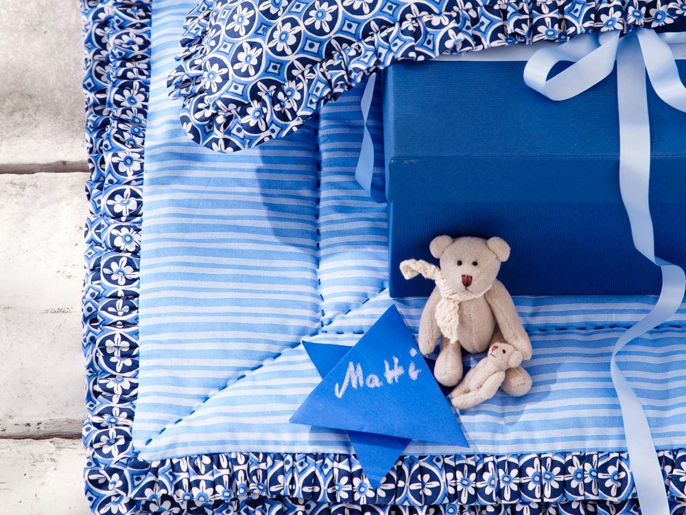 babydecke in blaut nen zuhause wohnen. Black Bedroom Furniture Sets. Home Design Ideas