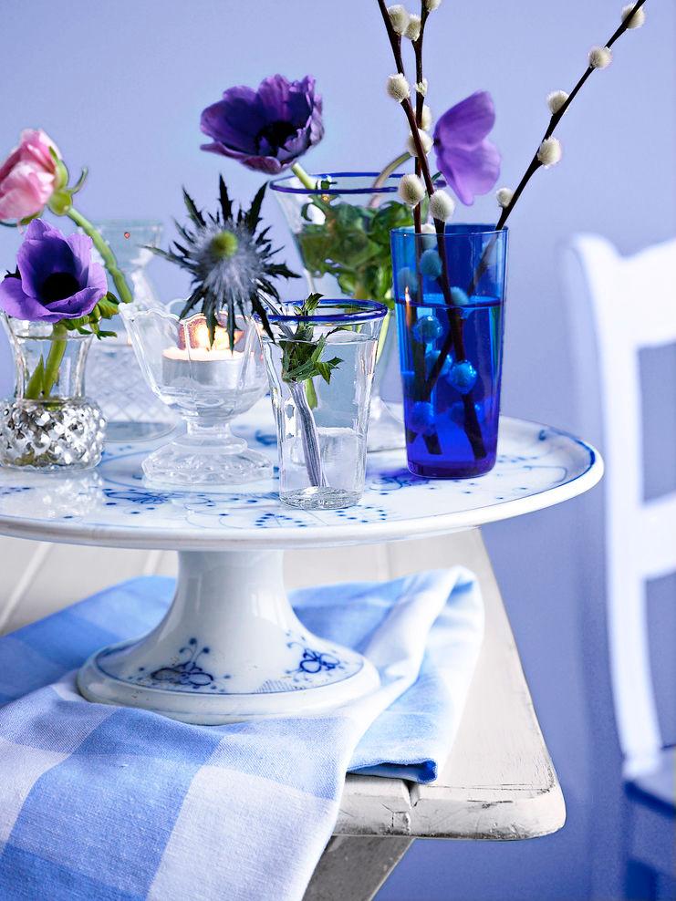 dekoratives geschirr in blau wei zuhause wohnen. Black Bedroom Furniture Sets. Home Design Ideas
