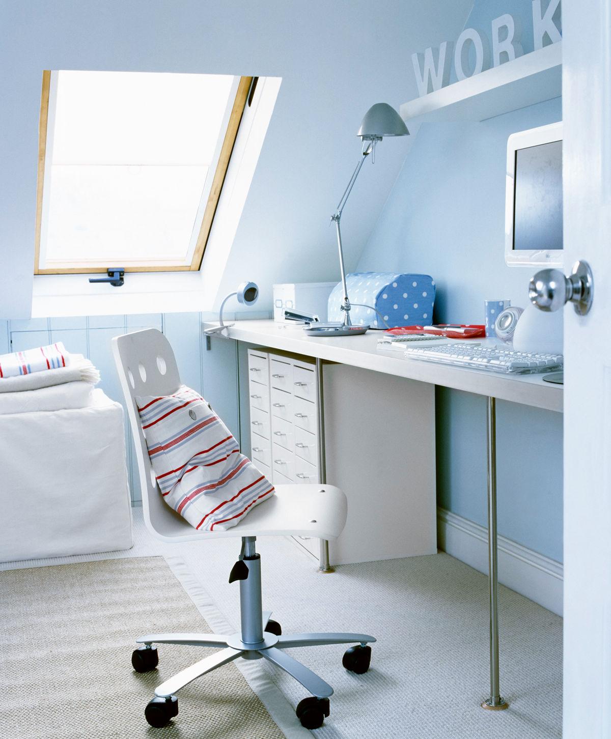 dachschr gen zuhause wohnen. Black Bedroom Furniture Sets. Home Design Ideas