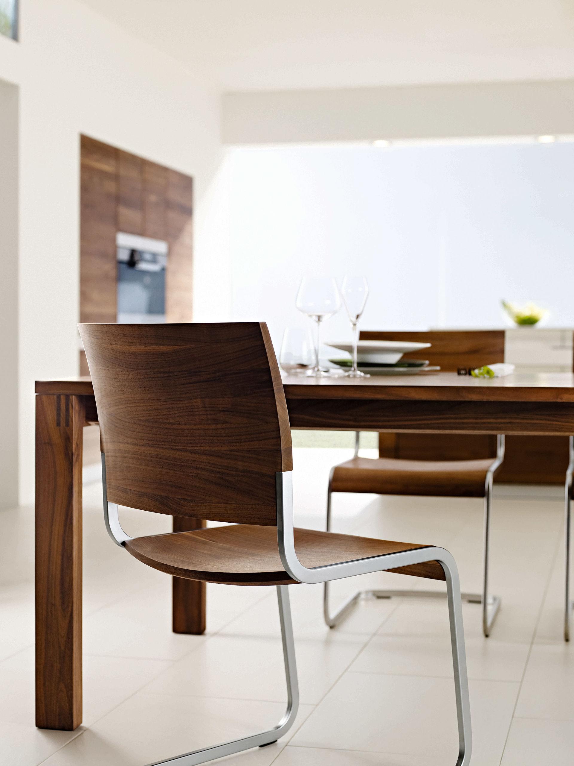 m bel aus massivem holz zuhause wohnen. Black Bedroom Furniture Sets. Home Design Ideas
