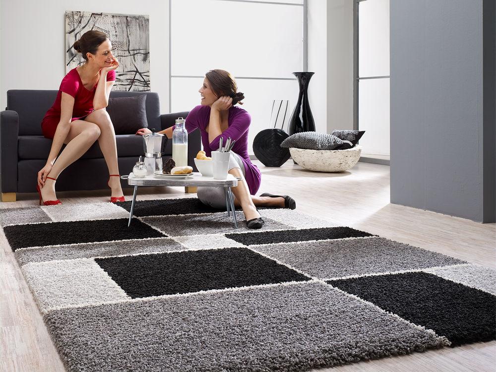 vielf ltiger look in grau zuhause wohnen. Black Bedroom Furniture Sets. Home Design Ideas