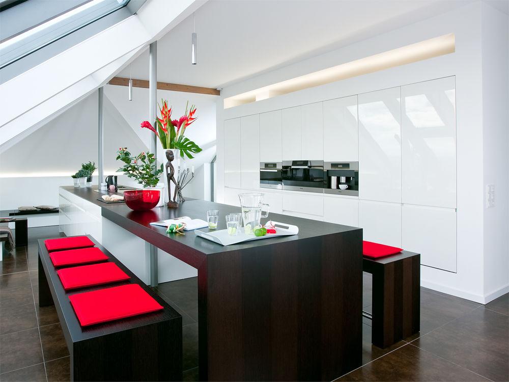 K che mit ausblick zuhause wohnen for Design tisch futura