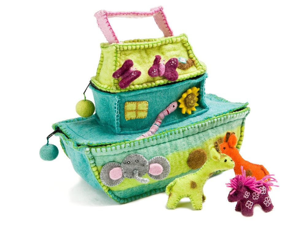 Altersgerechtes kinderspielzeug zuhause wohnen