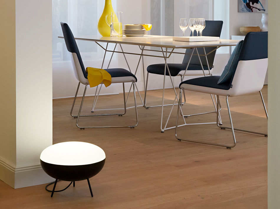 Stuh und Tisch