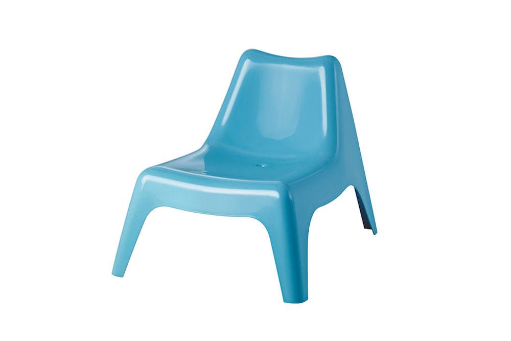 Blauer Kunststoffsessel