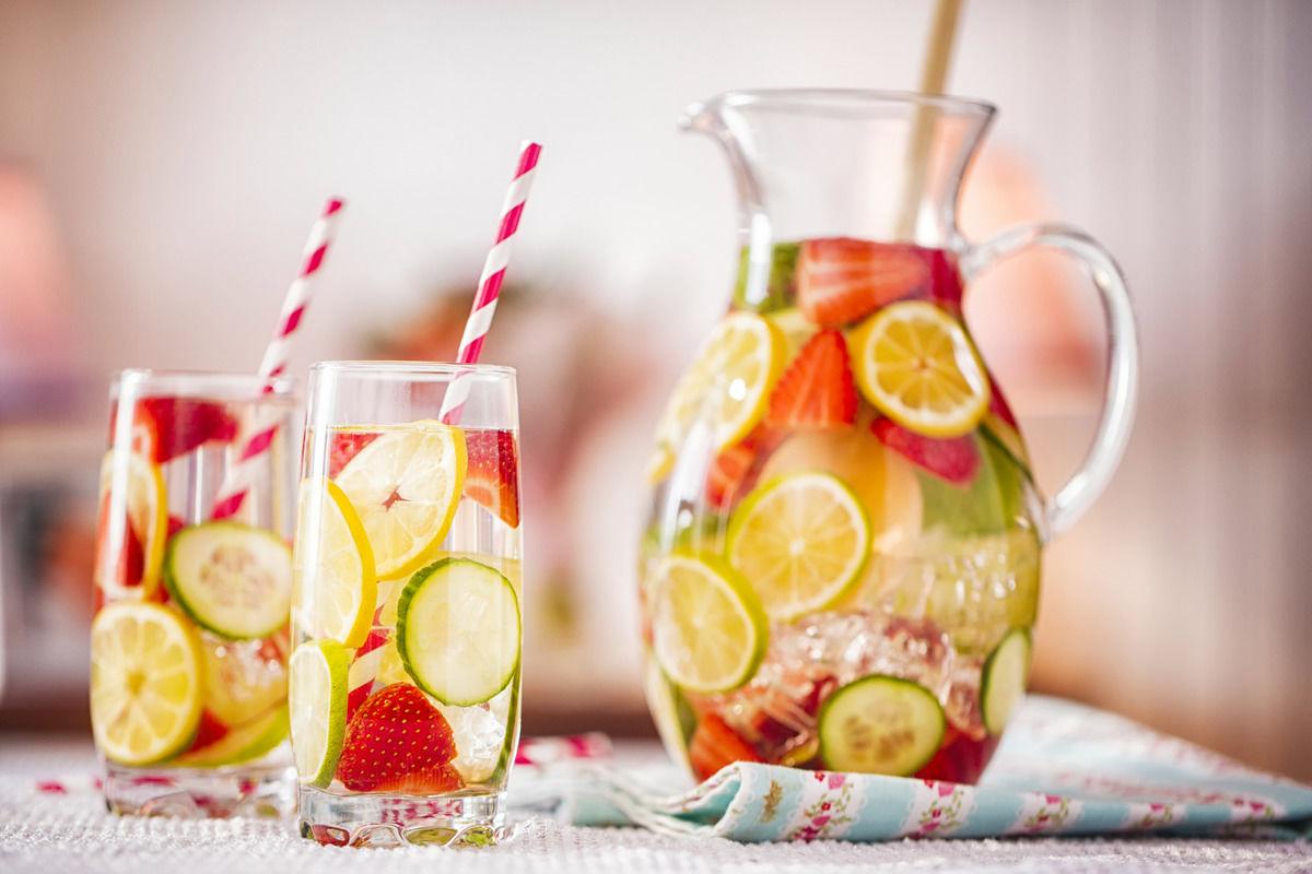rezept-bowle-mit-frischen-fruechten