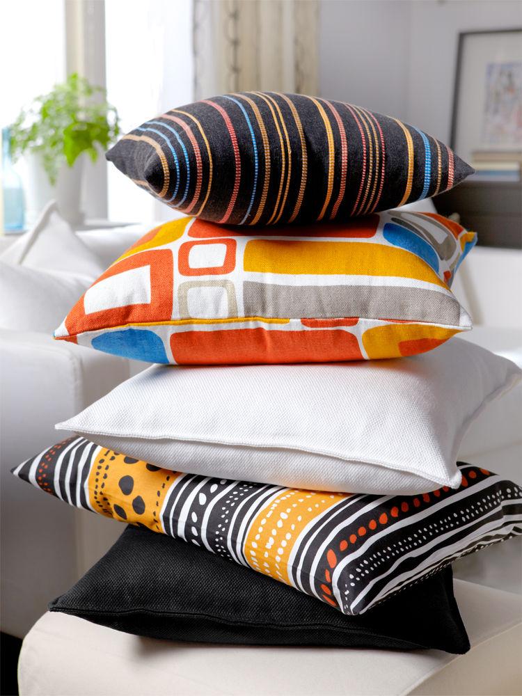 farbenfrohe kissen f r den fr hling zuhause wohnen. Black Bedroom Furniture Sets. Home Design Ideas