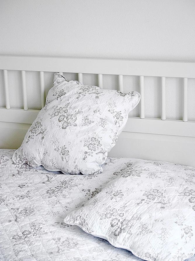 schwedische romantik zuhause wohnen. Black Bedroom Furniture Sets. Home Design Ideas