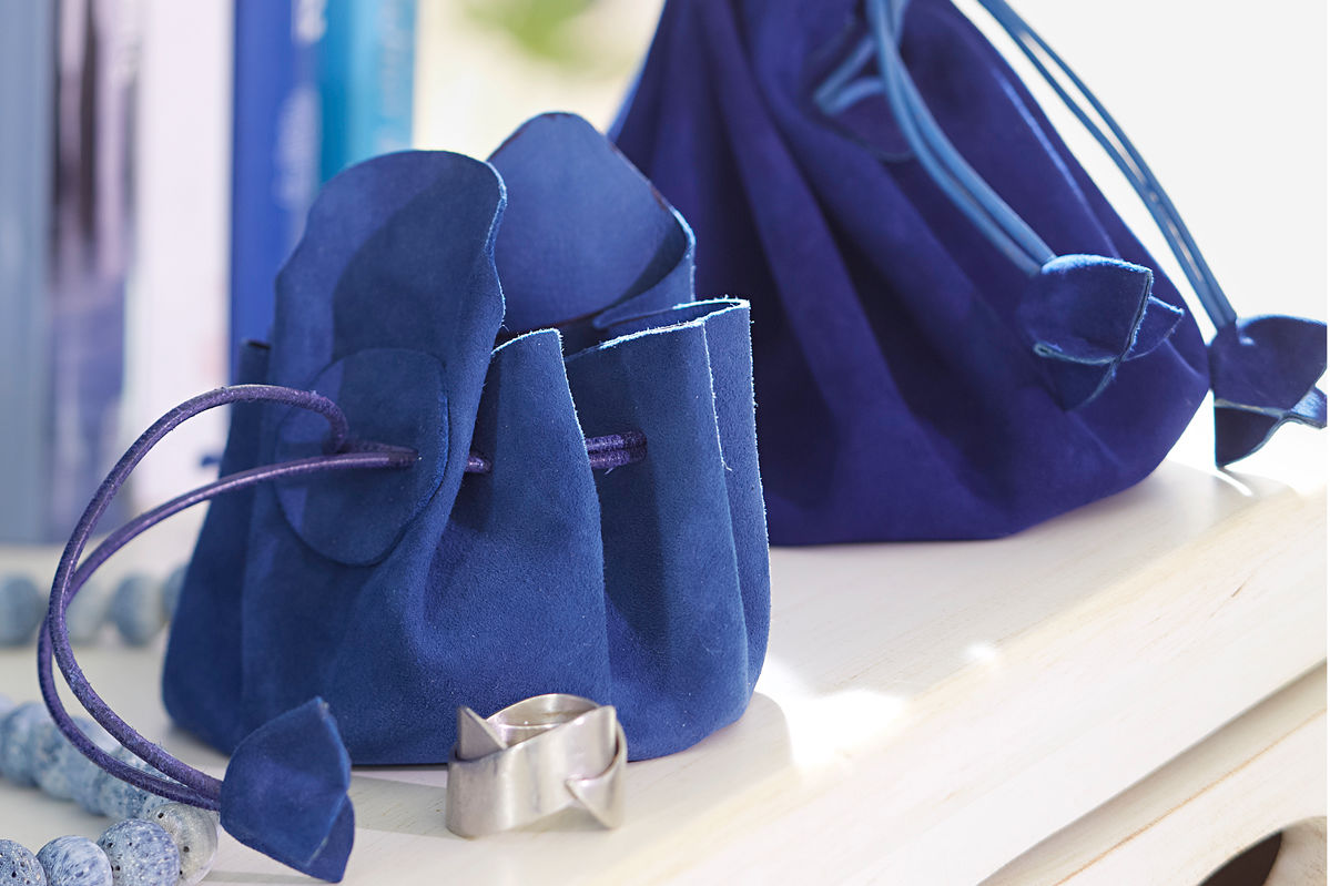 Blaue Beuteltasche