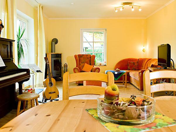 wohnzimmer nach wunsch zuhause wohnen. Black Bedroom Furniture Sets. Home Design Ideas