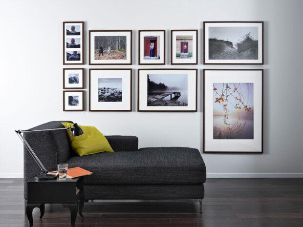 Bilder gekonnt in szene setzen zuhausewohnen - Anordnung bilderrahmen ...