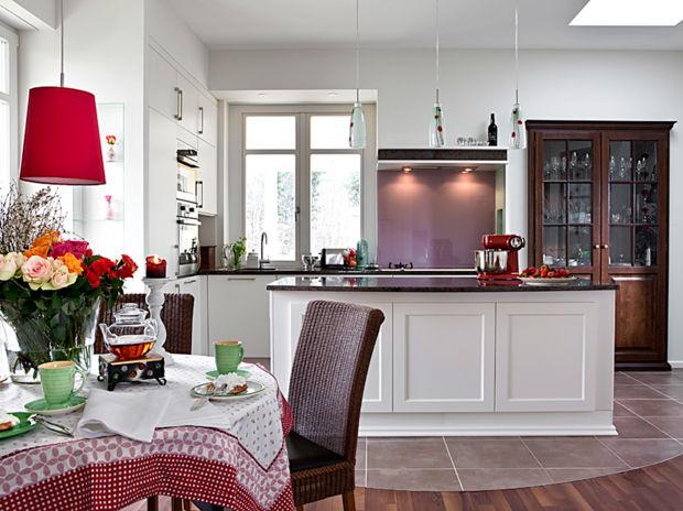 k che landhaus light zuhausewohnen. Black Bedroom Furniture Sets. Home Design Ideas